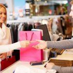 Можно ли и как вернуть одежду в магазин по закону?